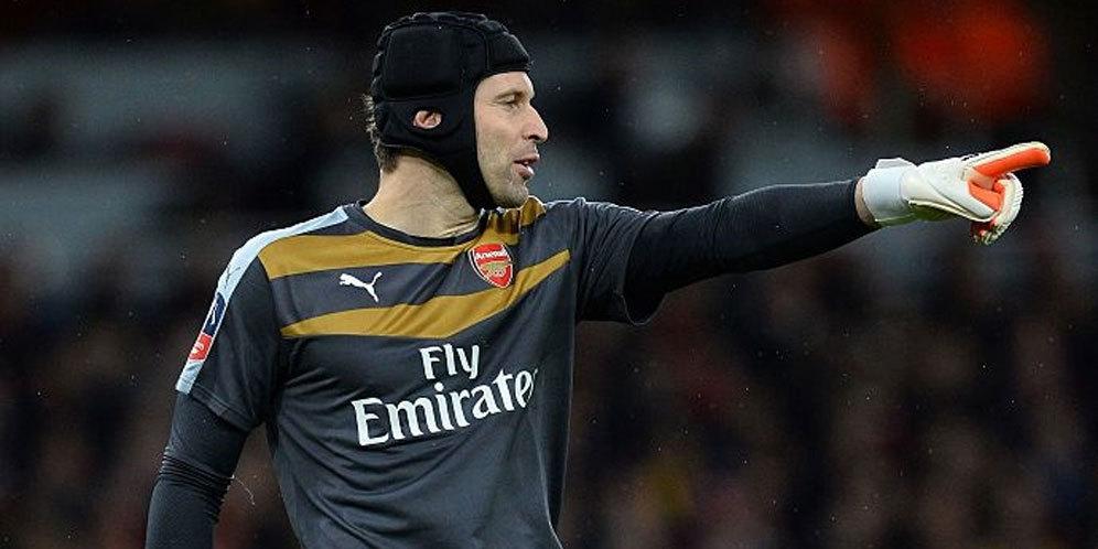 Photo of Bukan Striker, tapi Cech Penentu Kemenangan Arsenal