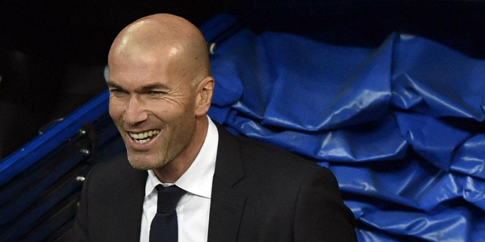 Photo of Zidane: Madrid Tak Butuh Pemain Baru